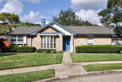 Single Family Home For Sale: 13510 Knottinghill Drive