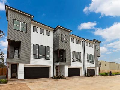Timbergrove Condo/Townhouse For Sale: 6339 Timbergrove Gardens Lane