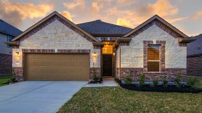 Humble Single Family Home For Sale: 5923 Rivergrove Bend Drive