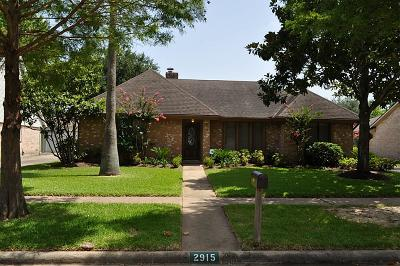 Sugar Land Single Family Home For Sale: 2915 S Blue Meadow Circle #CT