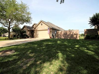 Single Family Home For Sale: 2315 Fairway Pointe Street