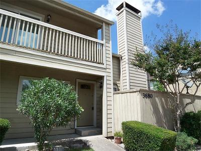 Houston Condo/Townhouse For Sale: 3680 Ocee Street #3680