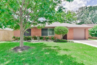 Oak Forest Single Family Home For Sale: 5309 W 43rd Street