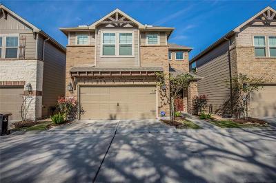 Houston Single Family Home For Sale: 1909 Bluff Oak Drive