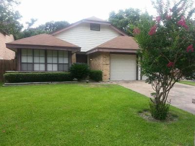 Houston Single Family Home For Sale: 19714 Lake Hollow Lane