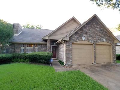 Spring Single Family Home For Sale: 16726 Scenic Gardens Drive