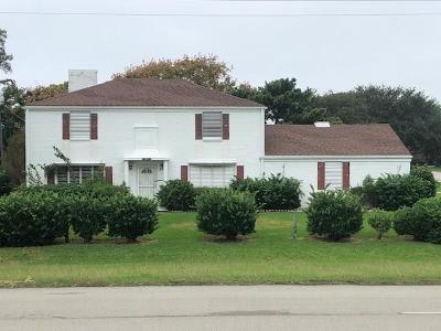 Texas City Single Family Home For Sale: 1911 Bay Street N