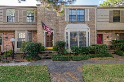 Houston Condo/Townhouse For Sale: 7505 Memorial Woods Drive #58