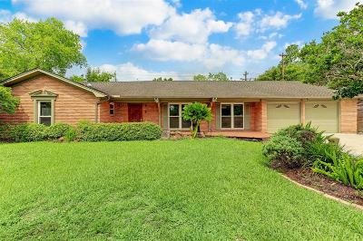 Houston Single Family Home For Sale: 9810 Cliffwood Drive