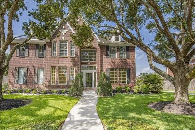 Friendswood Single Family Home For Sale: 1804 Stonecreek Circle