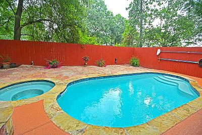 The Woodlands Single Family Home For Sale: 30 Woodhaven Wood Drive