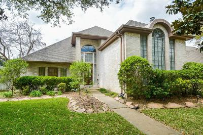 Sugar Land Single Family Home For Sale: 1002 Goldfinch Avenue