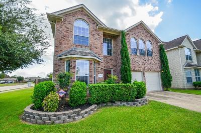 Richmond Single Family Home For Sale: 826 La Hacienda Drive