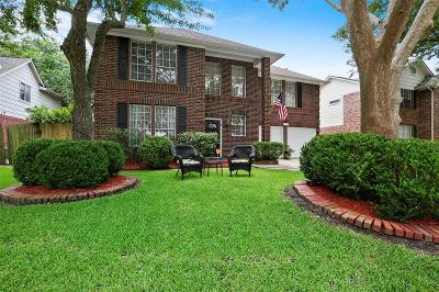 Friendswood Single Family Home For Sale: 4427 Girl Scout Lane