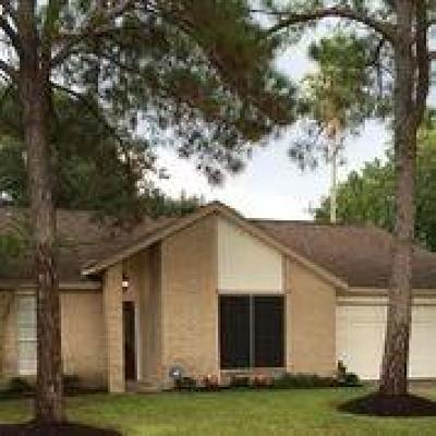 Single Family Home For Sale: 18062 Garden Manor Drive