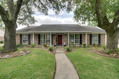 Houston Single Family Home For Sale: 7115 Bayou Forest Drive