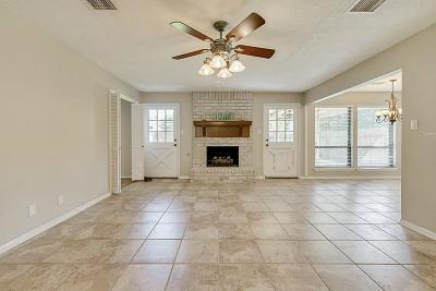 Spring Single Family Home For Sale: 17206 Colony Creek Drive