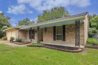 Clear Lake City Single Family Home For Sale: 16003 Fathom Lane
