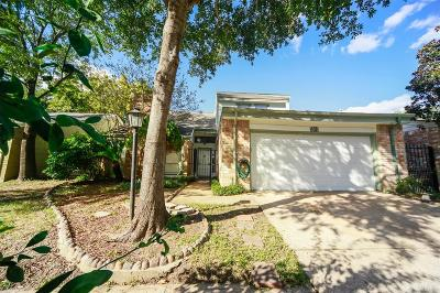 Houston Single Family Home For Sale: 5042 Autumn Forest Drive