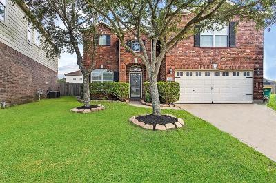 Pearland Single Family Home For Sale: 2604 Emerald Springs Court