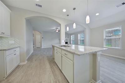 Baytown Single Family Home For Sale: 6418 Hunters Trace Lane