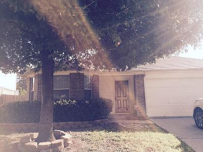 Spring Single Family Home For Sale: 22902 E Fairfax Village Circle
