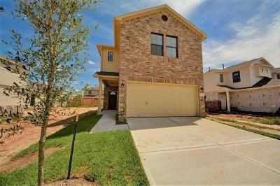 Houston Single Family Home For Sale: 6414 Hollock Meadows
