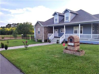 Baytown Single Family Home For Sale: 1525 Thompson Street