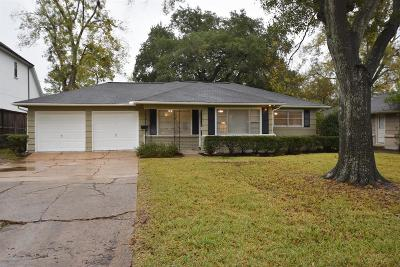 Bellaire Single Family Home For Sale: 5554 Little Lake Street
