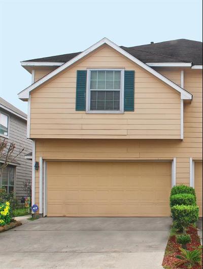 Houston Multi Family Home For Sale: 6055 Yorkglen Manor Lane