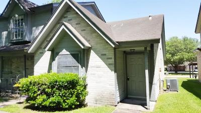 Humble Single Family Home For Sale: 1989 Country Village Boulevard #A