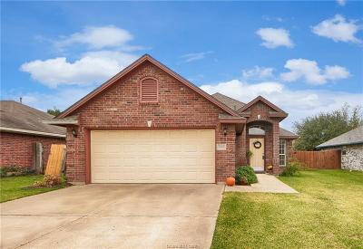 College Station Single Family Home For Sale: 3722 Marielene Circle