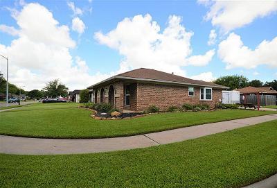 Deer Park Single Family Home For Sale: 1713 S Park Side Drive