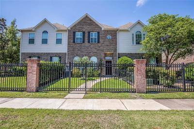 Houston Condo/Townhouse For Sale: 2755 Misty Heath Lane