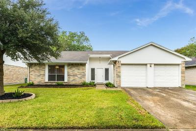 Friendswood Single Family Home For Sale: 16818 Colony Bend Drive Drive
