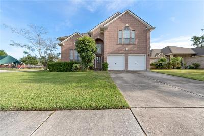 Friendswood Single Family Home For Sale: 16803 Ship Anchor Drive