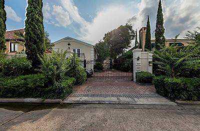 Houston Condo/Townhouse For Sale: 1806 Nantucket Drive