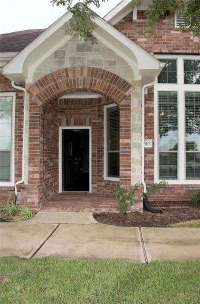 Pearland Condo/Townhouse For Sale: 2610 Arbor Hill Lane