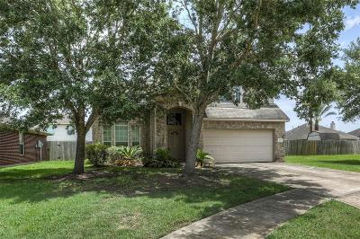 Pearland Single Family Home For Sale: 4705 Buescher Court