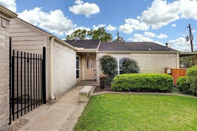 Friendswood Single Family Home For Sale: 16602 Oxnard Lane