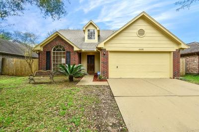 Friendswood Single Family Home For Sale: 4430 Girl Scout Lane