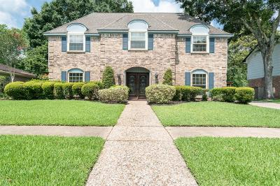 Friendswood Single Family Home For Sale: 136 Saint Andrews Drive