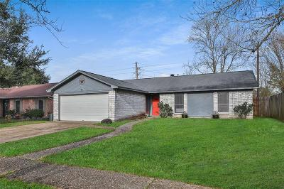 Spring Single Family Home For Sale: 23726 Canyon Lake Drive