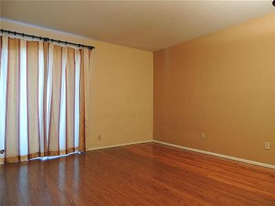 Houston TX Condo/Townhouse For Sale: $69,900