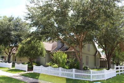La Marque Single Family Home For Sale: 48 Borondo Pines