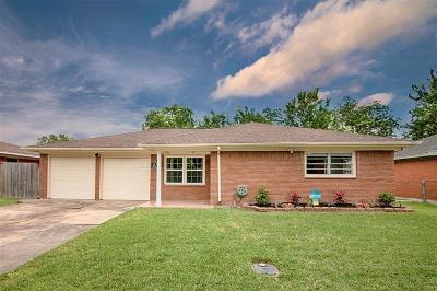 Pasadena Single Family Home For Sale: 1111 Alpha Drive