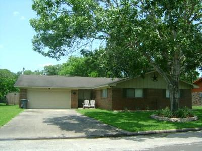 Bay City TX Single Family Home For Sale: $249,000
