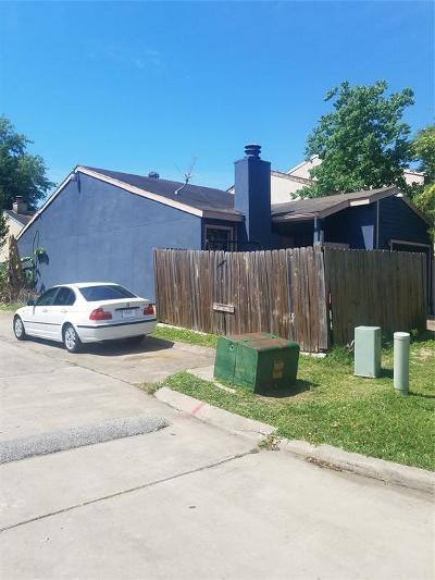 Houston Condo/Townhouse For Sale: 12311 Corona Lane