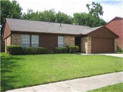 Webster Single Family Home For Sale: 467 El Toro Lane