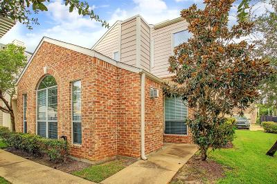 Houston Condo/Townhouse For Sale: 12581 Piping Rock Drive